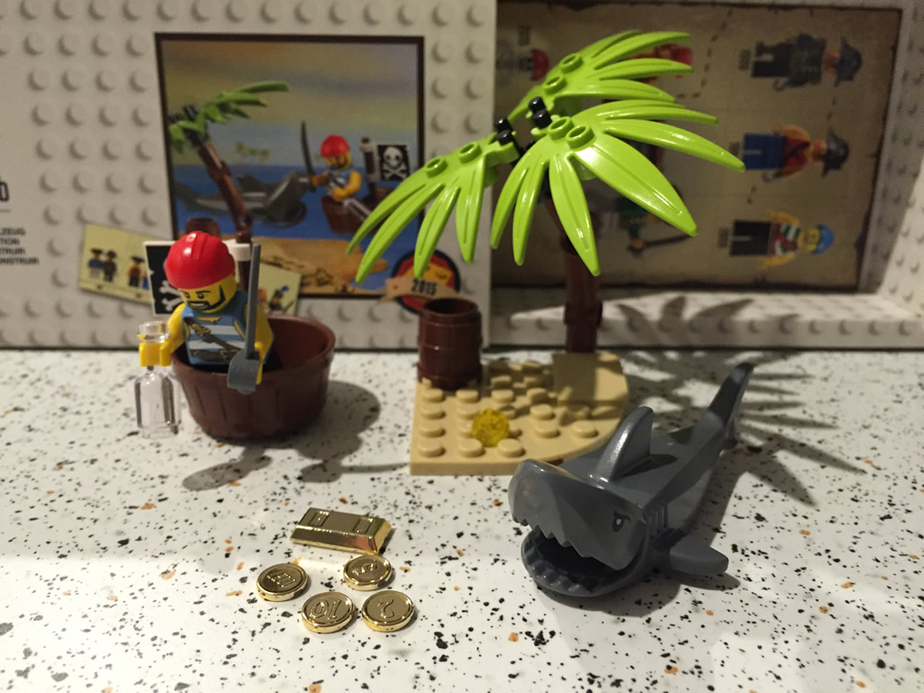 Review Lego 5003082 Classic Pirate Minifigure Southern Bricks