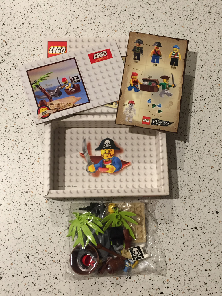 LEGO 5003082 Classic Pirate Minifigure - packaging